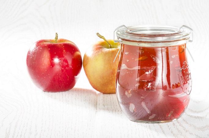 Nicht nur als Kompott kann man die Äpfel verarbeiten auch als Gelee oder Marmelade ein Genuss.
