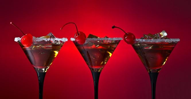 Kirschen mit Alkohol eingekocht: Da wird ganz schnell ein leckeres Getränk draus.