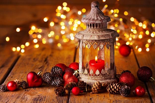 So wird die Weihnachtsdeko, die schon von draußen zu sehen ist, zu einer besonderen Überraschung.
