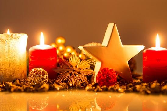 Wer jetzt noch besondere Akzente setzen möchte, der kann weitere Weihnachtsdeko selber basteln