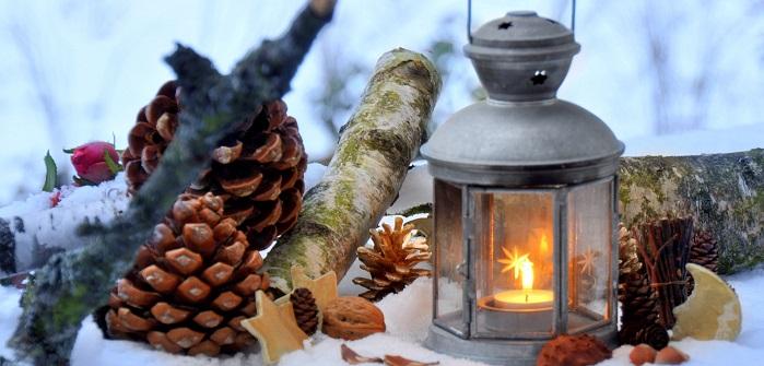 Weihnachtliche Außendekoration für eine stimmungsvolle Weihnachtszeit