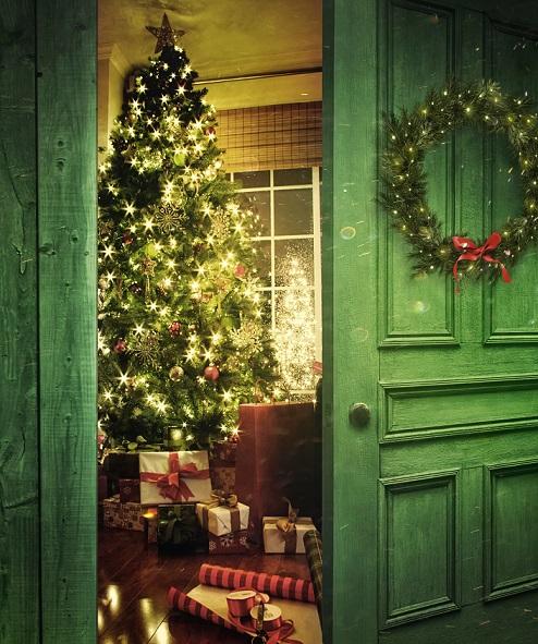 Wer Weihnachtsdeko selber basteln möchte, muss gar nicht so weit gehen, um die passenden Materialien zu finden