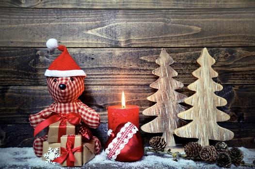 Selbergebastelte Weihnachtsdeko macht nicht nur dem Bastler Freude.