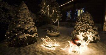 Garten weihnachtlich dekorieren
