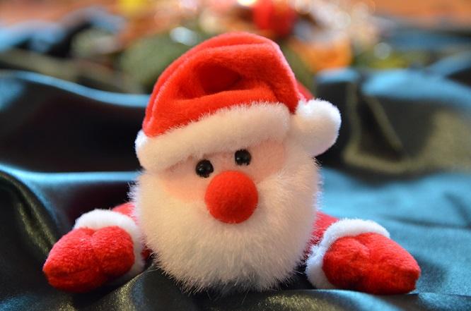 Wenn Sie sich für andere Weihnachtsdeko im Kinderzimmer entscheiden, sollten Sie stets im Hinterkopf behalten, dass diese in jedem Fall robust sein sollte. (#02)