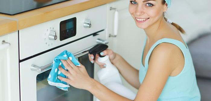 Der tägliche Putzplan muss natürlich ebenfalls angepasst werden, denn nicht jeder hat morgens nach dem Frühstück die Zeit, erst einmal die Spülmaschine einzuräumen. Dann müssen viele Arbeiten eben am Abend erledigt werden, was nicht weiter schlimm ist. (#01)