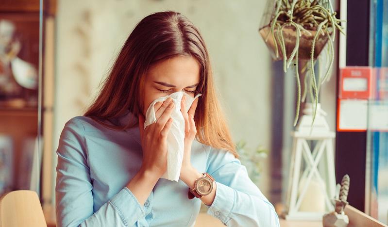 Die Grippeimpfung verringert das Risiko einer Erkrankung und lässt die Symptome weniger stark auftreten. (#01)