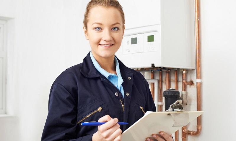 Die meisten Bauherren befassen sich intensiv mit den verschiedenen Möglichkeiten der Heiztechnik, ob Öl oder Gas die bessere Wahl sein mag und ob ein späterer Heizungswechsel sinnvoll sein kann.