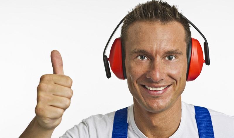 Daher ein wichtiger Tipp: Ein Gehörschutz gehört nicht nur bei Berufstätigen, die großem Lärm ausgesetzt sind, auf die Ohren, sondern auch in der Freizeit. ( Foto: Shutterstock-_Bernd Leitner Photography )