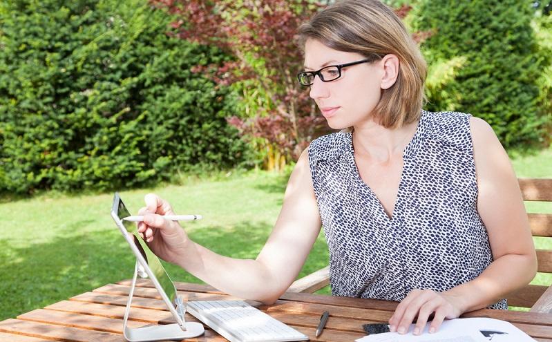 Entspannt Lernen im eigenen Garten ( Foto: Shutterstock- Alexander Limbach )